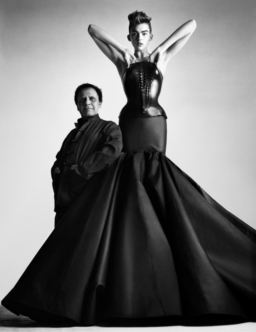 Azzedine Alaïae, abito del 2002. Photo by Patrick Demarchelier– Courtesy of Azzedine Alaia Press Office