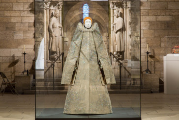 "Heavenly Bodies: ""Sacra Moda"" al Metropolitan Museum"