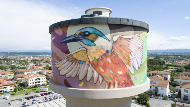 5 Torre pensile dipinta da Refreshink, Montopoli (Pisa), Rainbow 2019. Ph. Claudio Bellosta Studio
